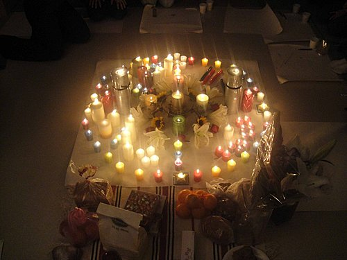 P7美麗的聖燭火圈,我們在這裡祝福世界上的萬物,祝福大地母親,感謝父神母神感謝宇宙,感謝我們自己所做過的一切。
