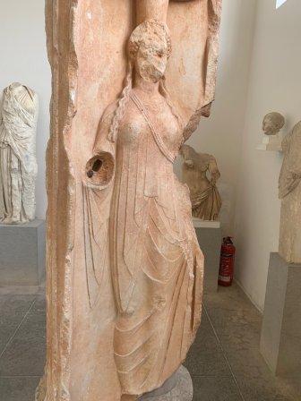 黑卡蒂女神像